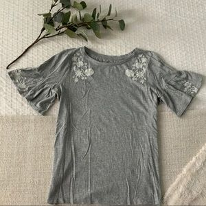 LOFT embroidered tee, size S